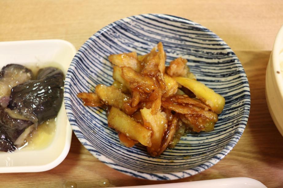 さつま芋とごぼうの甘辛炒め