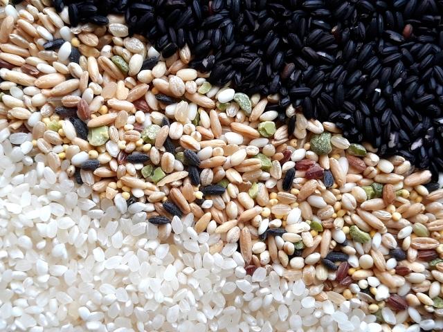 玄米や雑穀米、ナッツにしてもそれ自体が認知症予防に有効